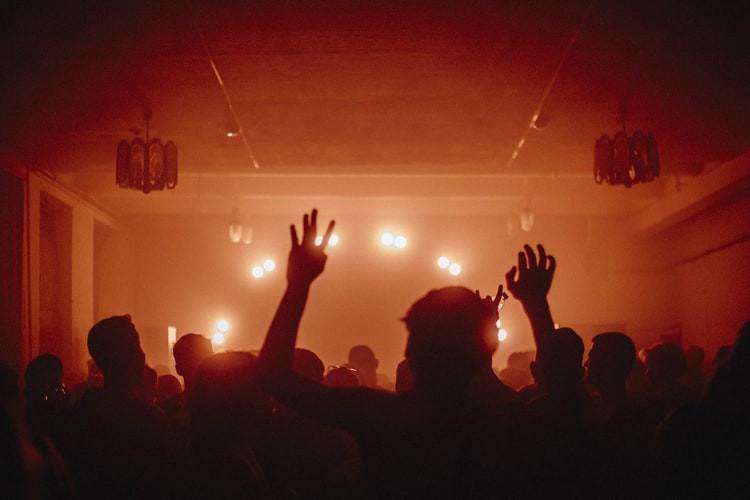 Enter – DJ Earlino